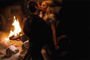 Amanda Seyfried en Shiloh Fernandez in Red Riding Hood